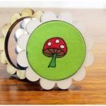 Holzanstecker mit Pilz
